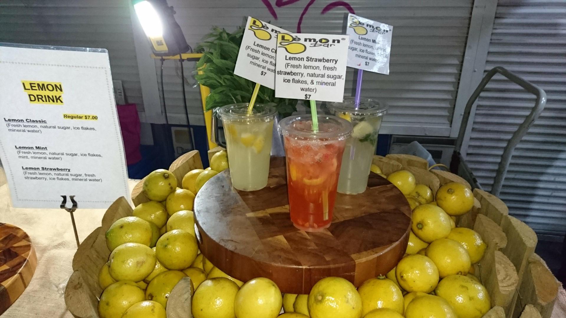 lemon drink stand
