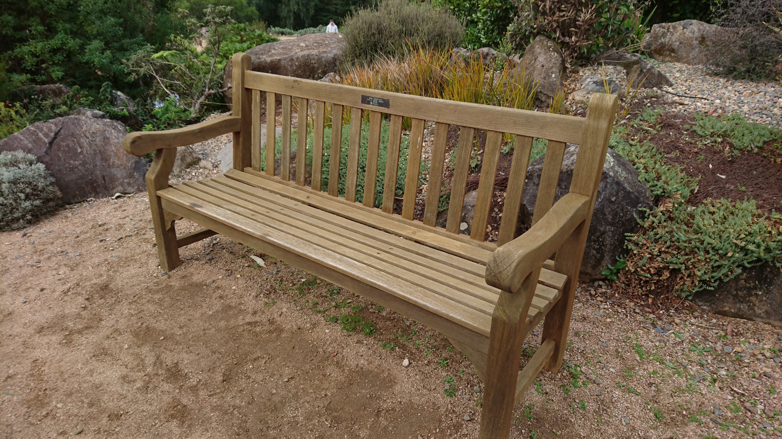 park benches dotted around the gardens
